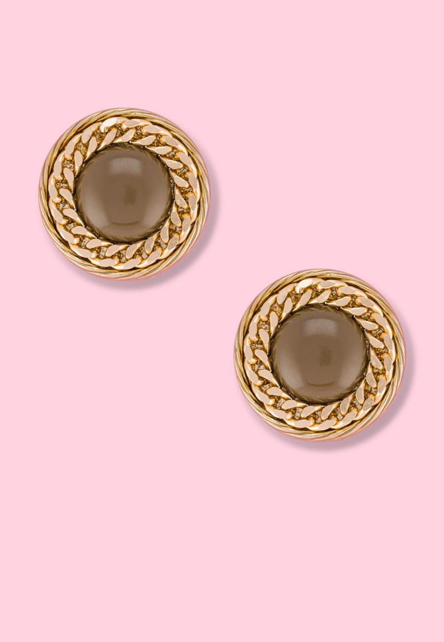 Vintage stylish design earrings with clip-on closing, by live-to-express. Online vintage earrings shop