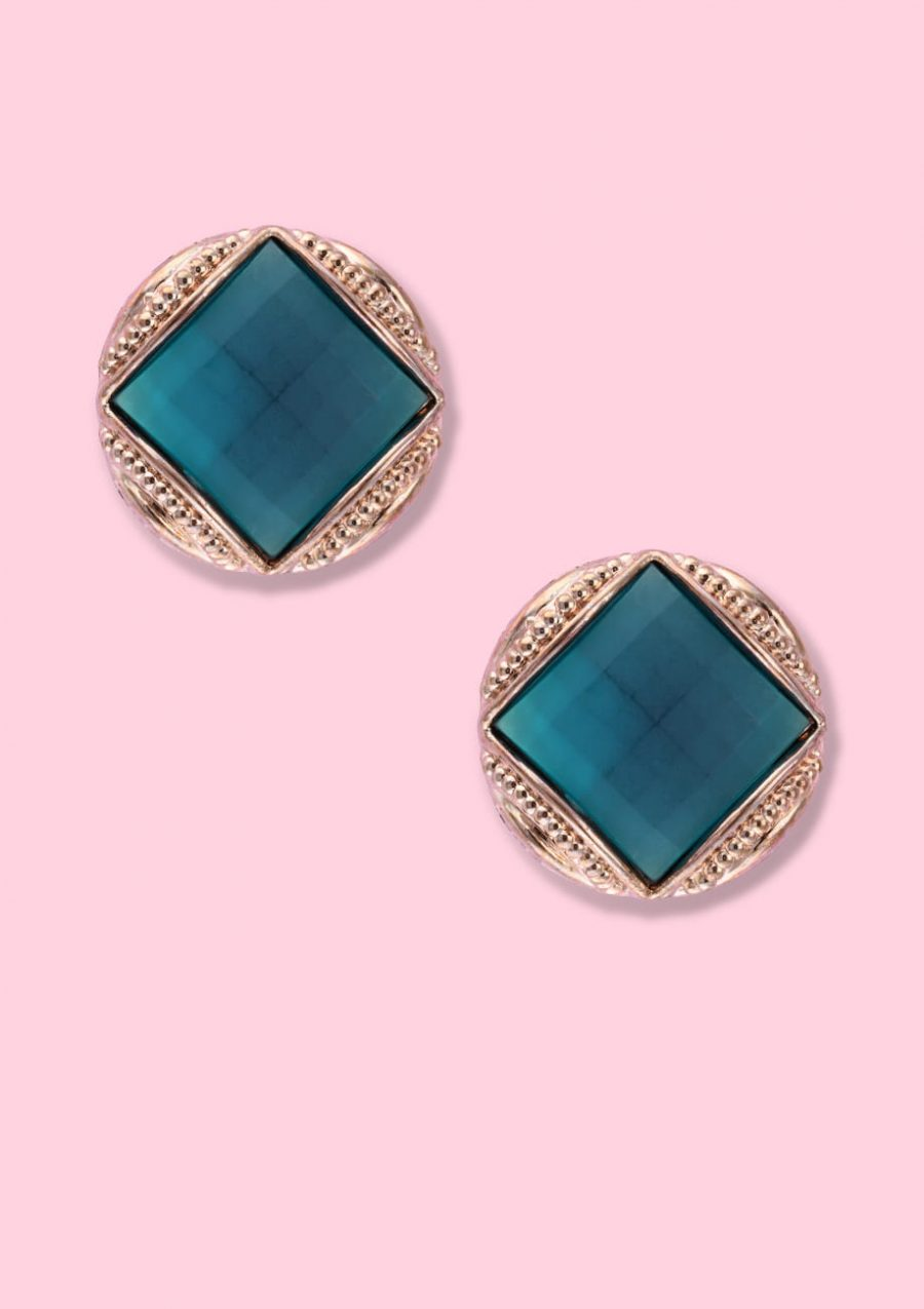 Turquoise and gold vintage clip-on stud earrings, by live-to-express. Online 80's vintage earrings shop.