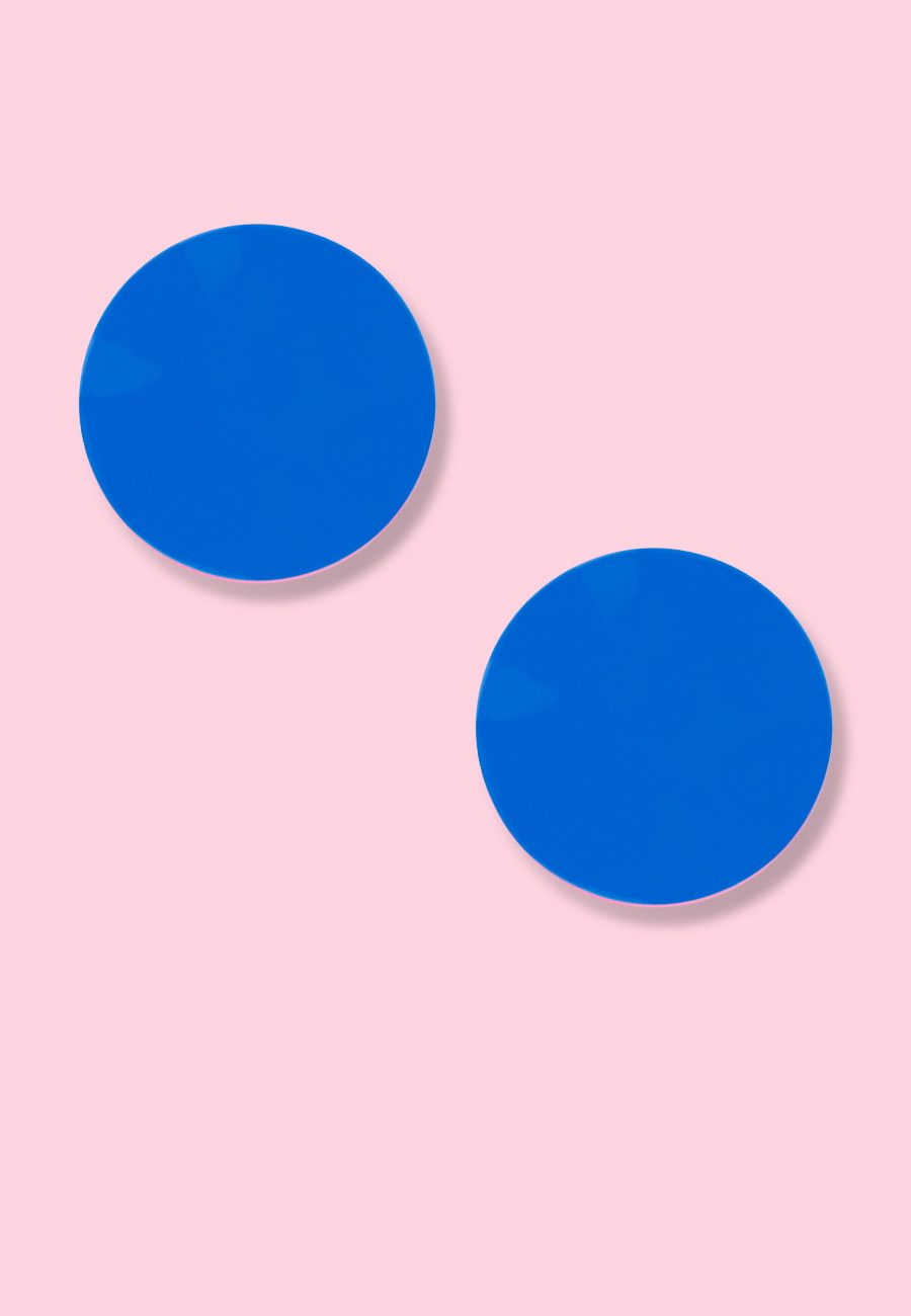 Blue disc earrings with clip closing, by live-to-express. Online vintage earrings shop