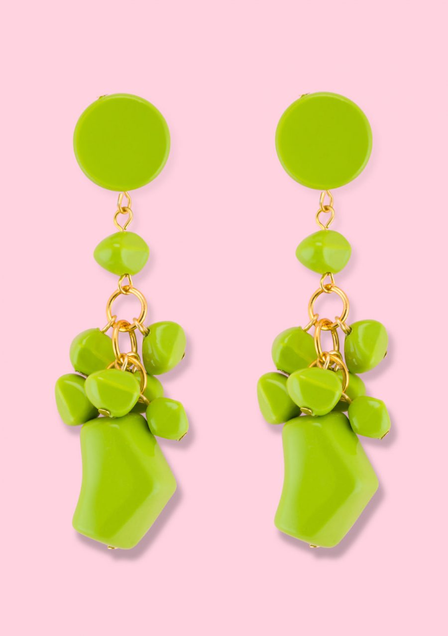 Green vintage statement earrings. Vintage earrings by live-to-express