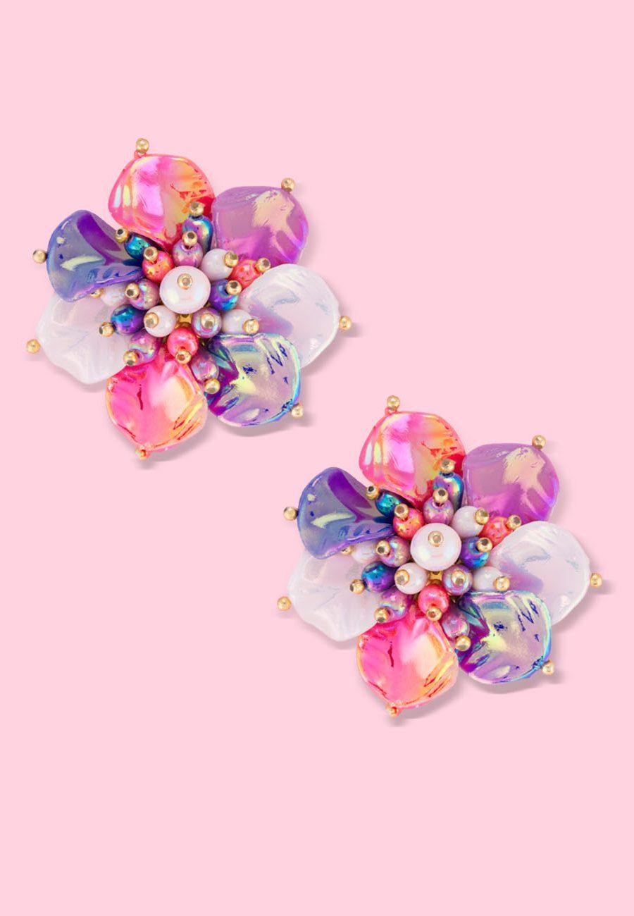 Vintage-floral-Hibis-stud-earrings-white