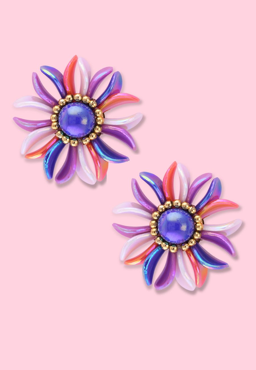 Blue pearl flower clip-on stud earring, by live-to-express. Shop 80's vintage earrings online.