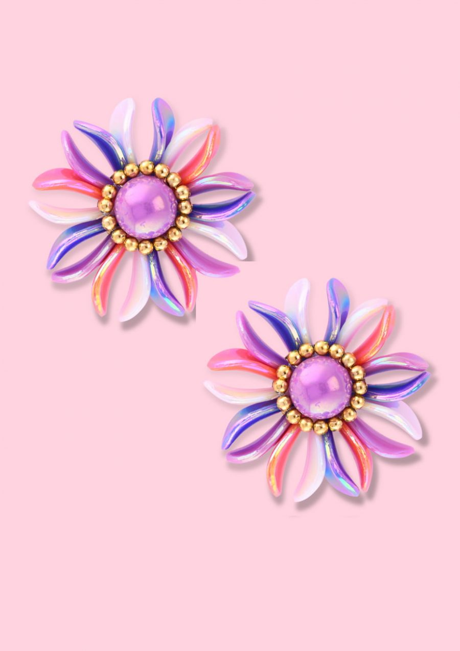 Lilac pearl flower clip-on stud earring, by live-to-express. Shop 80's vintage earrings online.