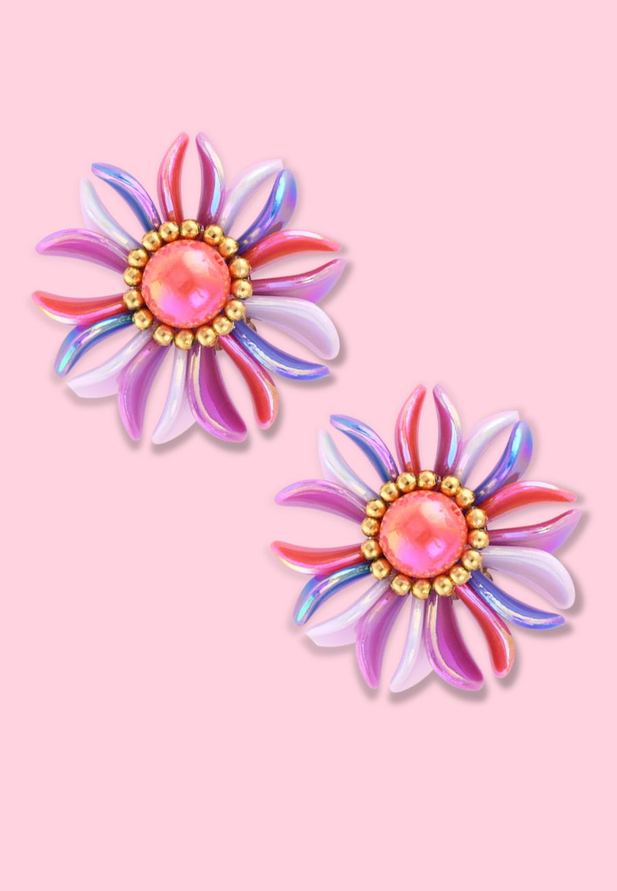 Pink pearl flower clip-on stud earring, by live-to-express. Shop 80's vintage earrings online.
