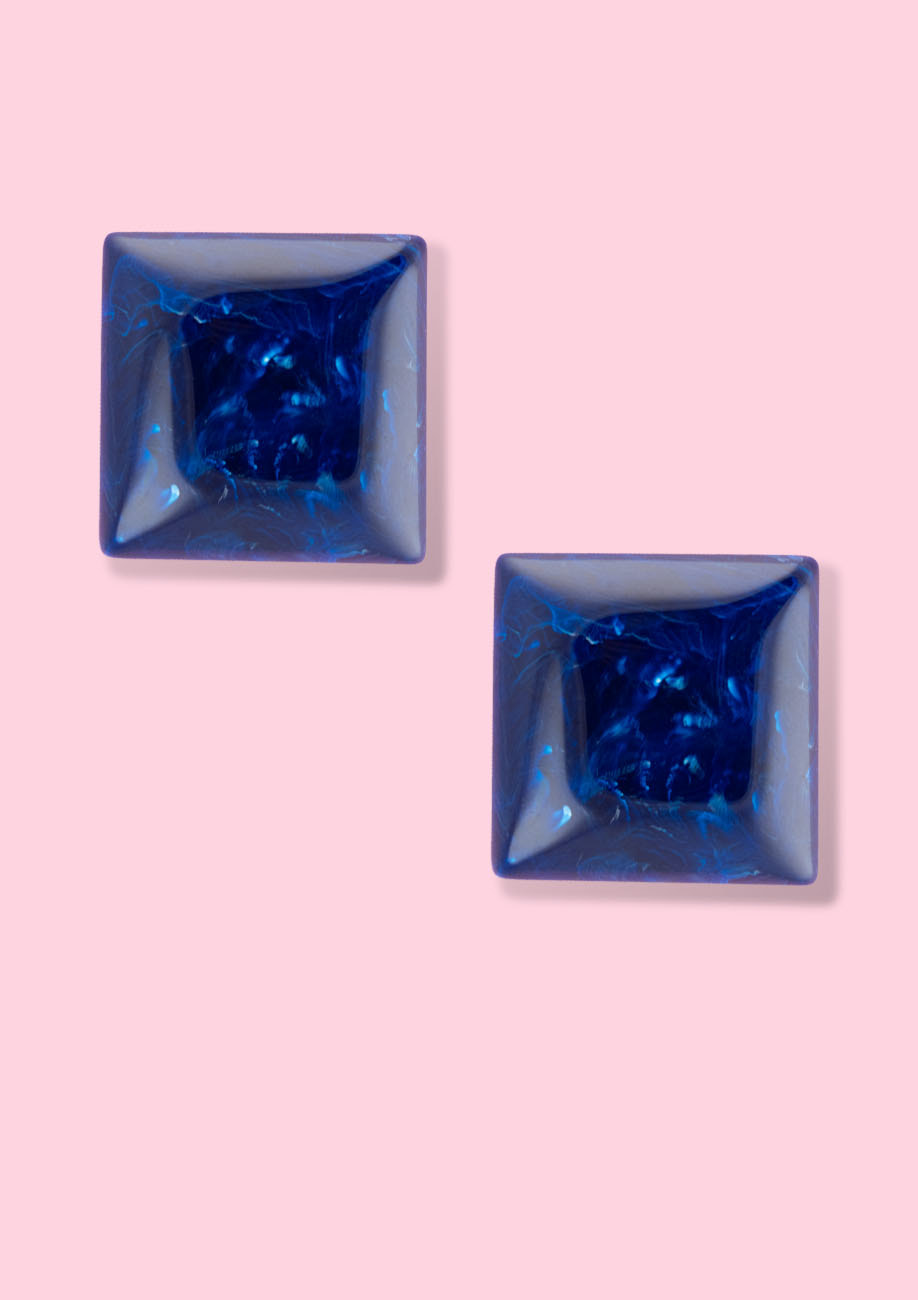 Big blue stud earring with push-back closing, by live-to-express. Shop vintage earrings online.