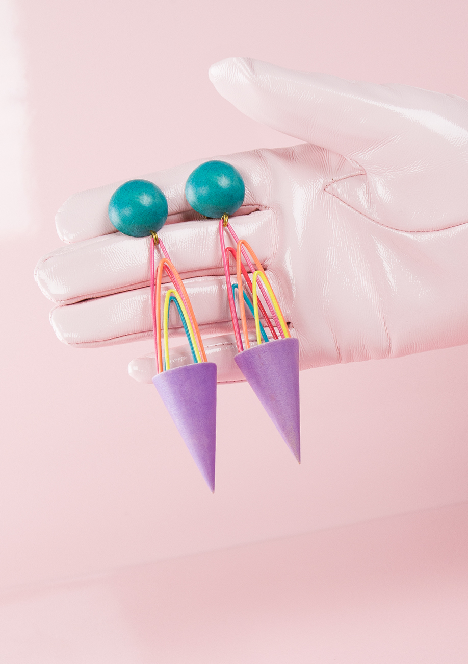 live to express statement drop earrings