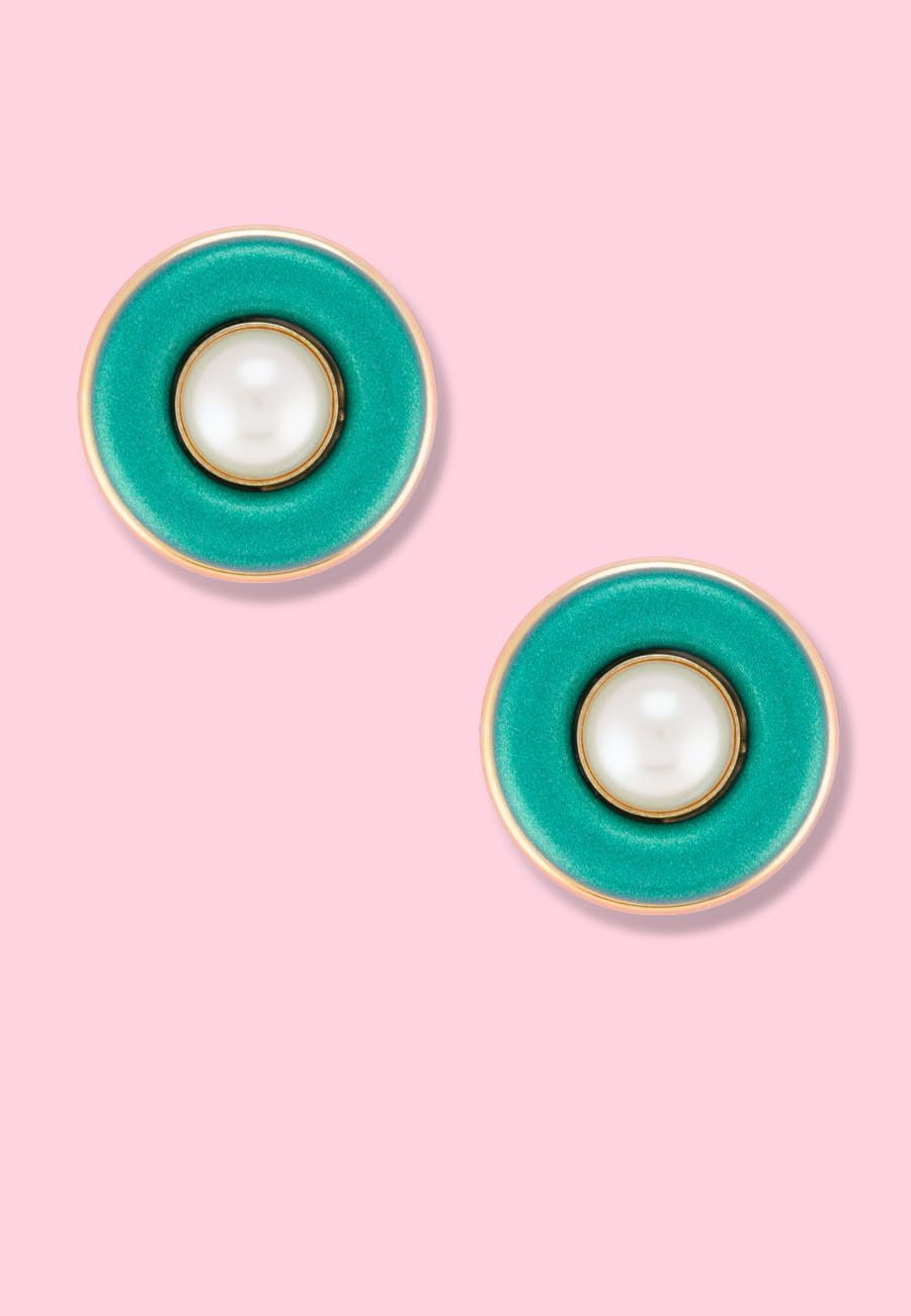 Glitter and pearl vintage stud earrings with clip-on closing, by live-to-express. Shop vintage earrings online