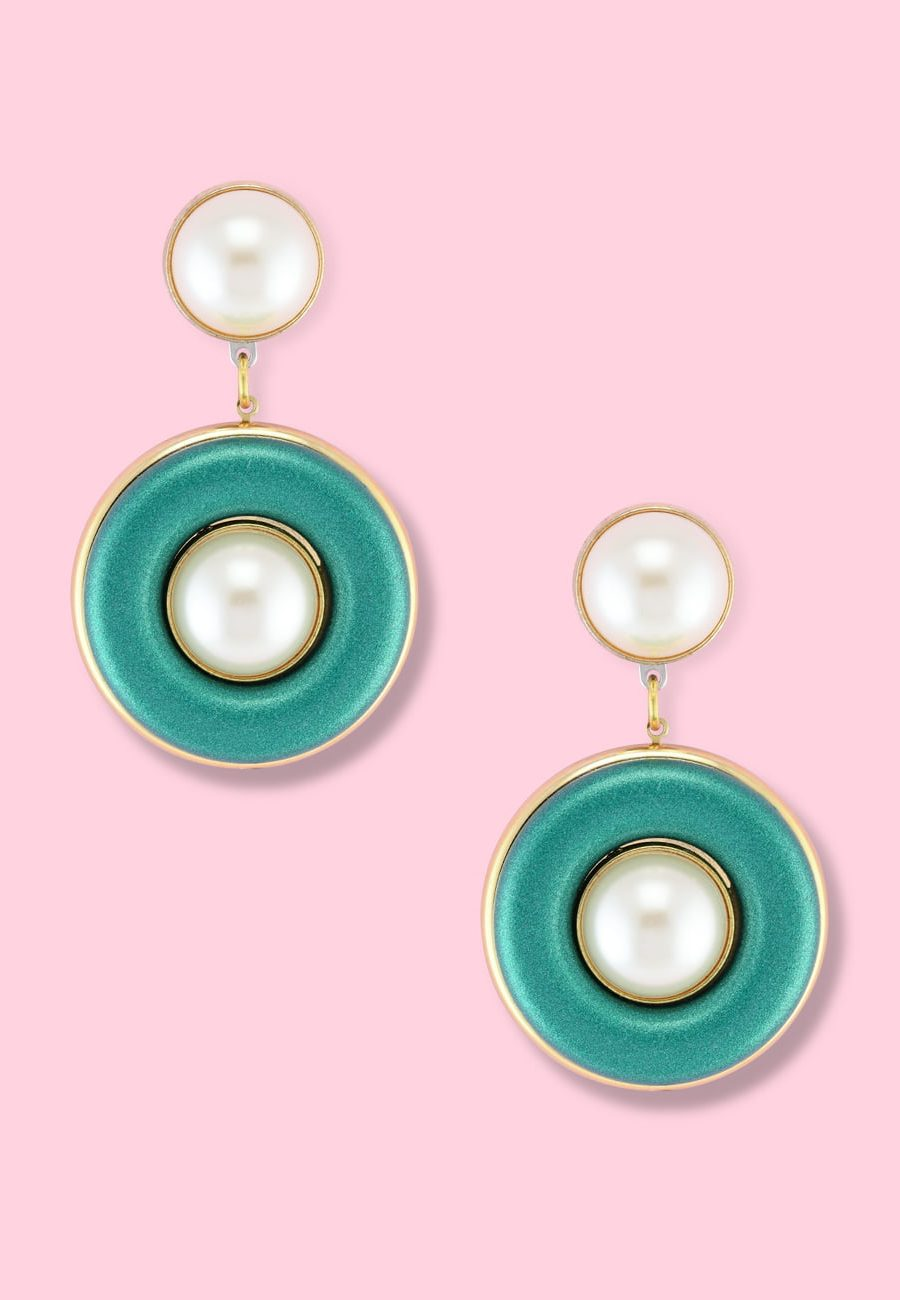 Green glitter and pearl earrings by live-to-express. Shop 80's vintage clip-on earrings online.