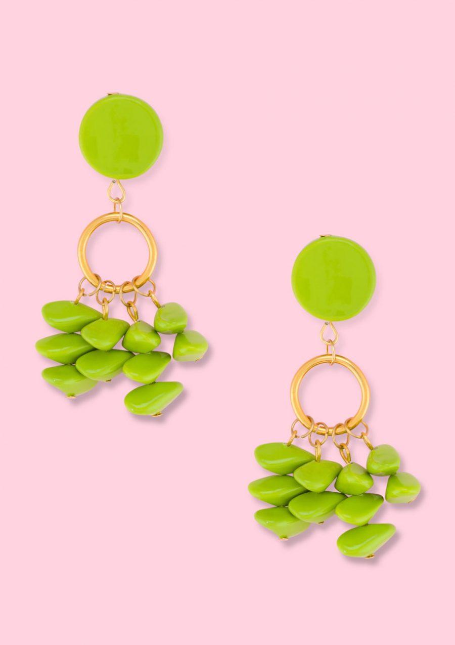 Green vintage drop earrings. 90s Vintage earrings by live-to-express