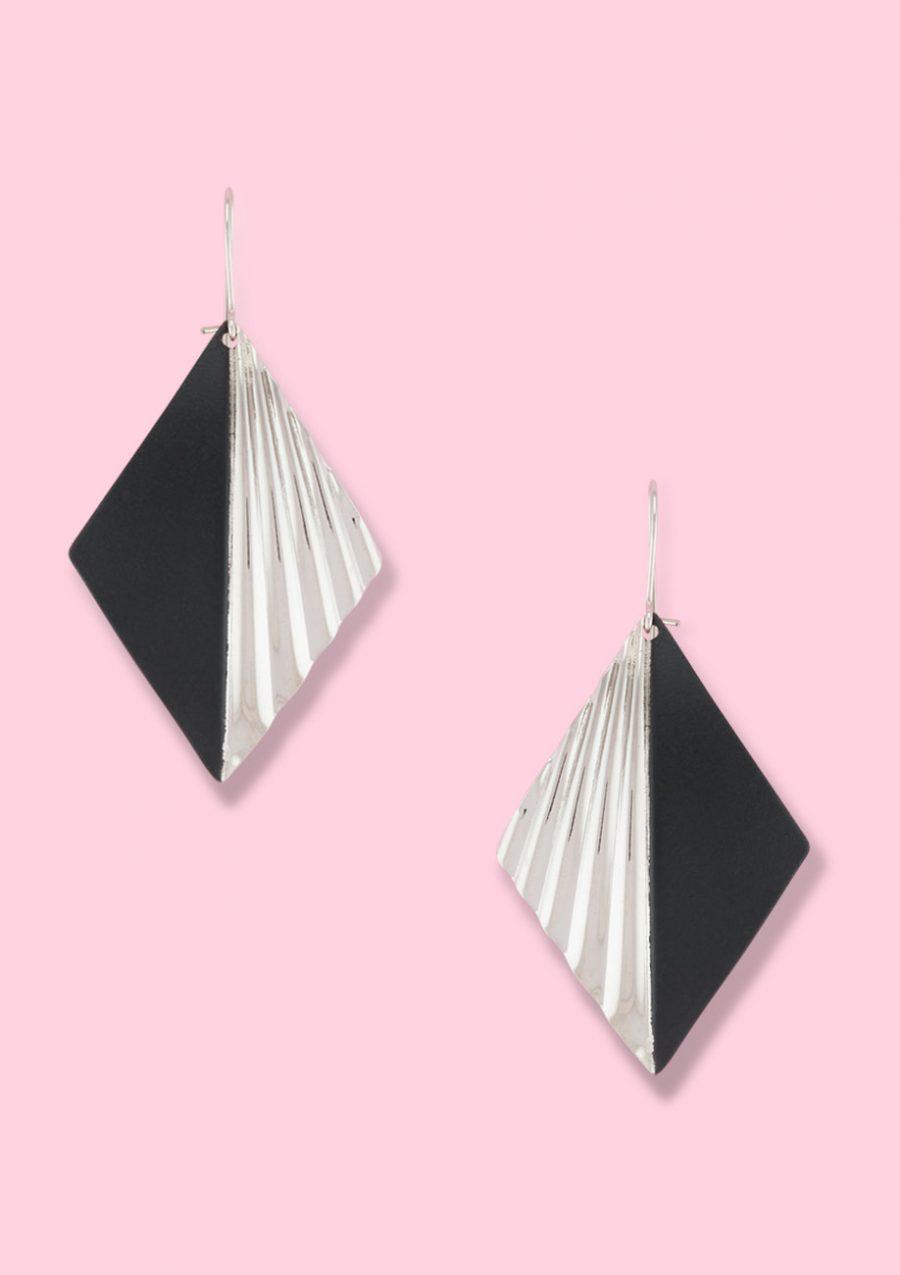 Silver vintage drop earrings. Sustainable earrings