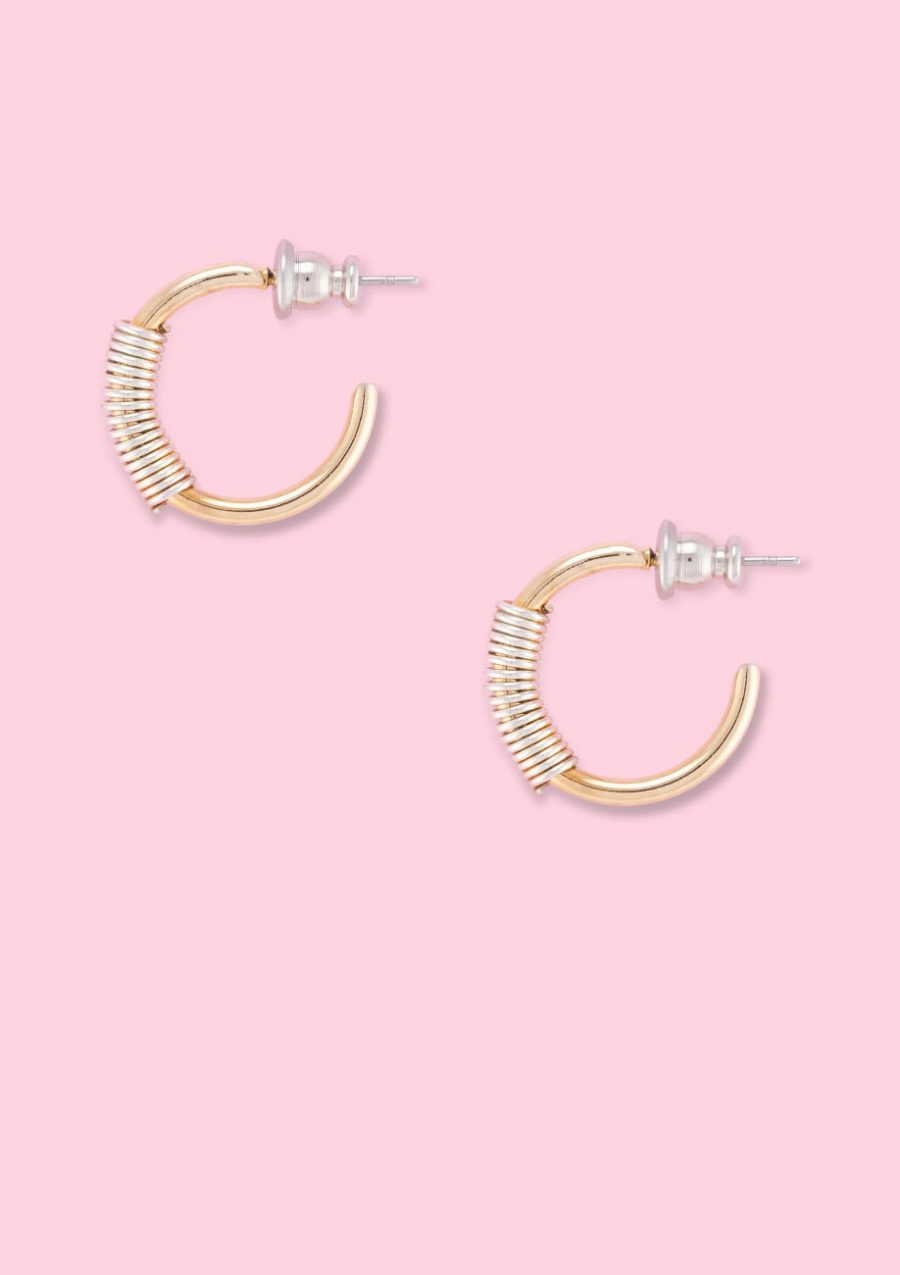 Vintage golden ear jewellery hoops by live-to-express. Vintage ear jewellery online