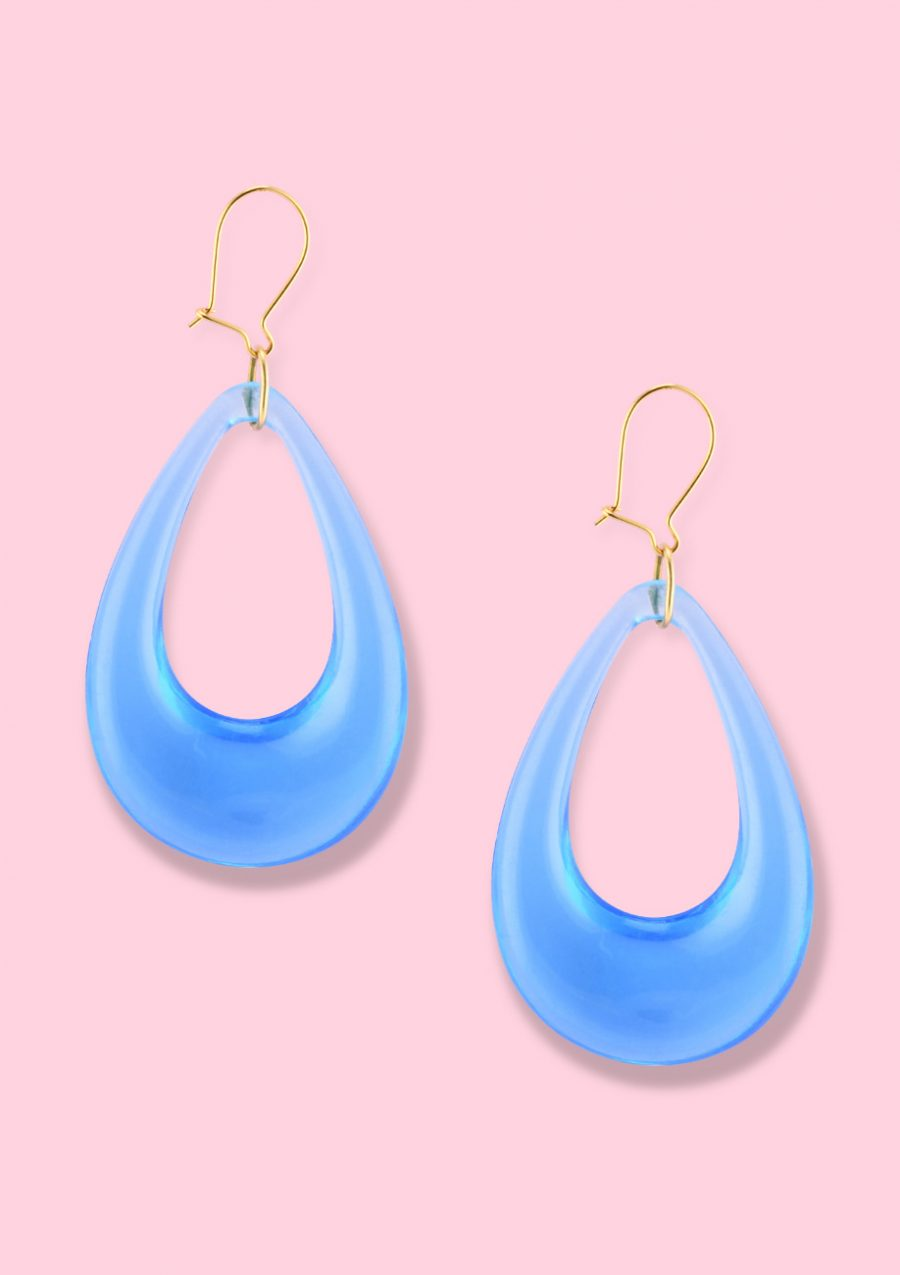 Blue retro teardrop drop earrings with a kidney closing, by live-to-express. Sustainable vintage earrings