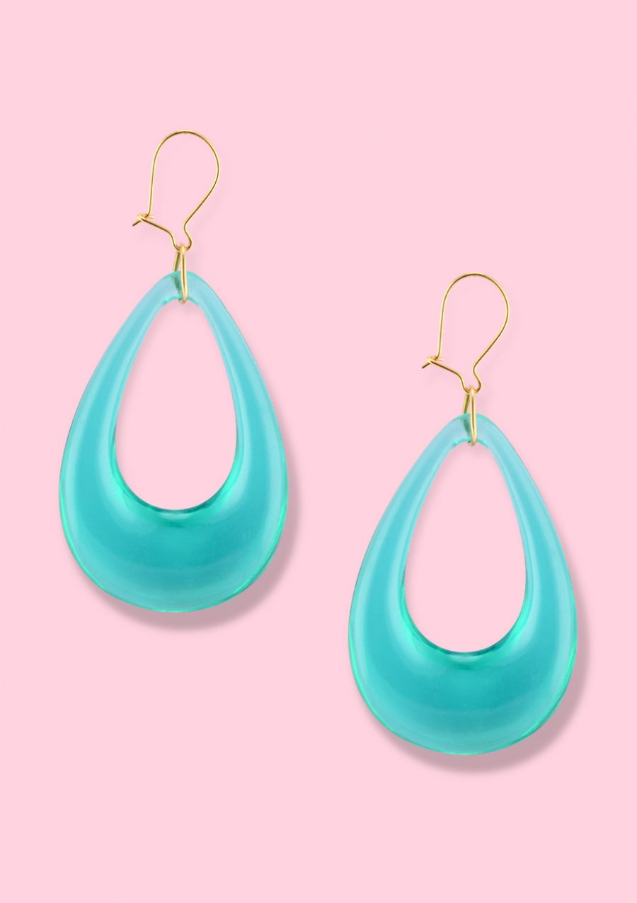 Mint retro teardrop drop earrings with a kidney closing, by live-to-express. Sustainable vintage earrings